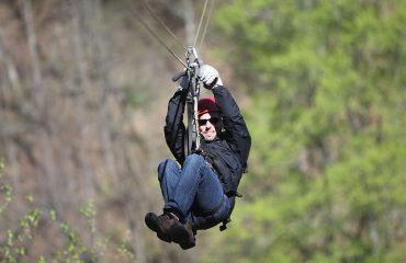 zip-line-adventure-outdoor